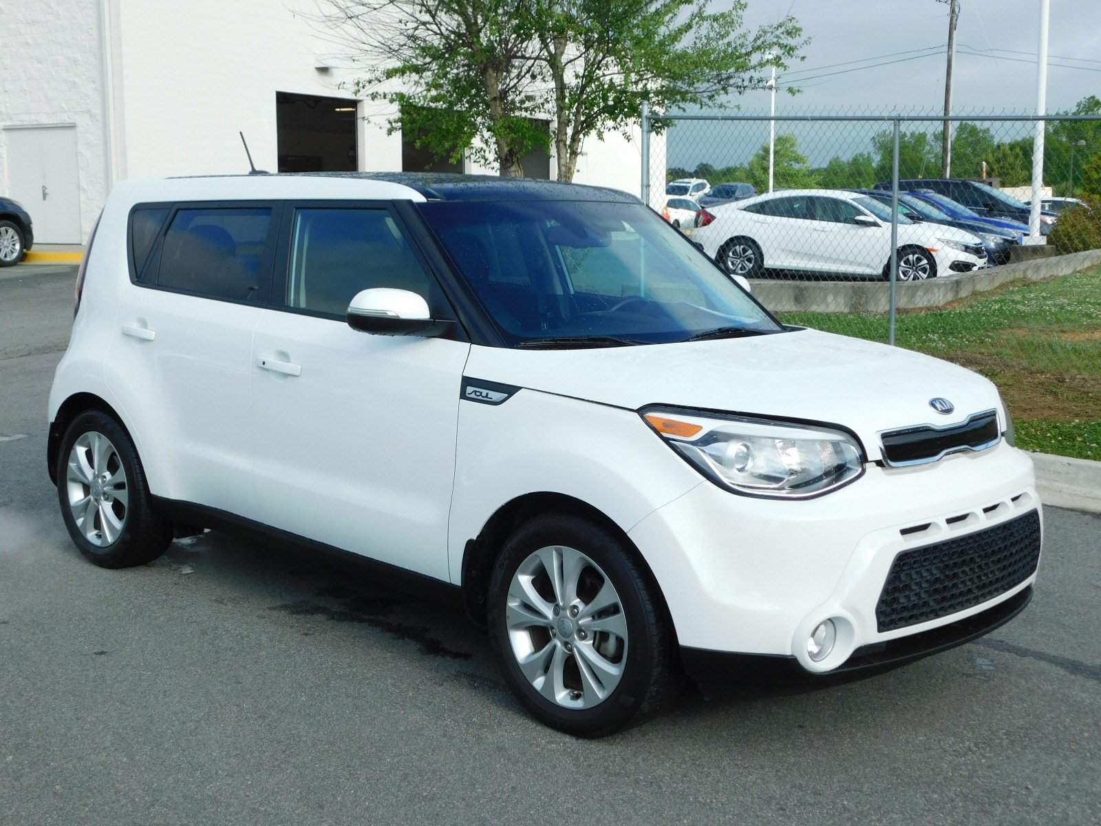 Pre Owned 2016 Kia Soul Hatchback in Milledgeville F A